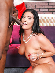 Brunette mom Sammy Brooks in hot interracial cock riding porn