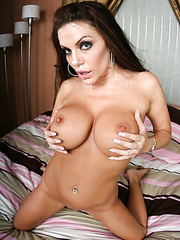Excellent pornstar Victoria Valentina using her juicy tits to make a cool titjob