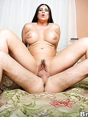 Mature lady Sheila Marie is wearing her pefect black underwear on camera