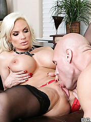 Diamond Foxxx demonstrates big tits and gets ready to ride someone's dagger