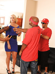 Hot big ass milf Mellanie Monroe fucked by black tattoed rap guy
