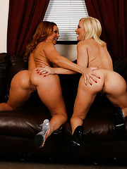 Engaging lesbians Diamond Foxxx and Janet Mason licking tight pussies