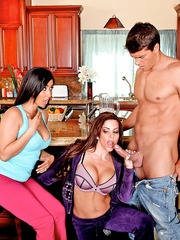 Slutty milf Victoria Valentina playing with Isis Love and enjoying a hot threesome
