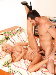 Gorgeous milf Winnie picked up a cute guy and got an awesome anal fuck