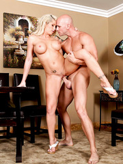 Curvatious milf Brooke Haven using her shaved pussy to please a friend