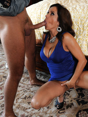 Hot milfs Chloe Reese Ryder and Francesca Le got one dick for their holes