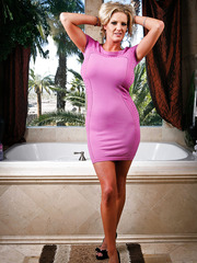Hot milf with big tits Zoey Holiday spreads her legs in the bathroom