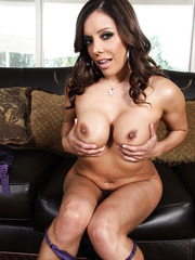 Adorable and famous porn star Francesca Le spreading her delicious forms