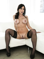 Brunette milf Kendra Lust willingly peels off her gorgeous lingerie