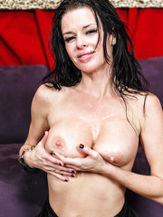 Veronica Avluv enjoys to feel fresh sperm on her big tits and sexy face