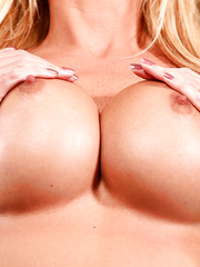 Cute face, amazingly big tits and sexy blonde hair by hot milf Brooke Tyler