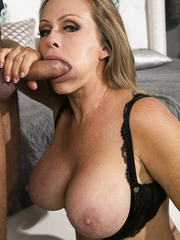 Dyanna Lauren came for a hard and hot fuck with a huge cock