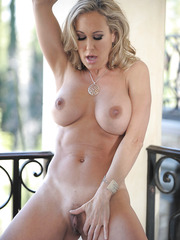 Elegant passion with gorgeous and glamorous busty lady Brandi Love