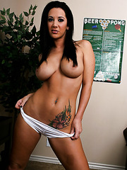 Brunette with gorgeous eyes and big tits Jayden Jaymes looks incredibly