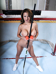 Horny milf with big tits Jodi Bean strips at hockey rink