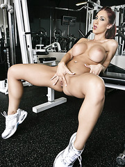 Kylee Strutt shows off her flawless big, round boobs making exercises