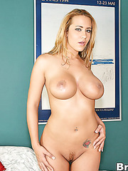 Trina Michaels is a perfect, appetizing milf for a hardcore fucking action