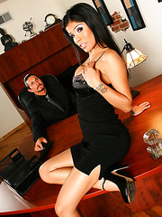 Horny brunette milf Alexis Amore rubs her huge boobs and sucks a cock