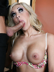 Amazing and crazy fuck with a dangerous babe named Jessica Lynn