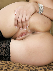 Short haired milf Jenny Hendrix takes off her beautiful pink lingerie