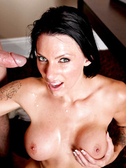 Juelz Ventura wakes up early in the morning and get big cock in her already wet holes