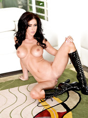 Super elegant and slender lady Jessica Jaymes surprises with her bit tits