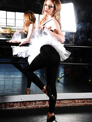 Delicious ballerina Lexi Belle wants to get her body warmed-up
