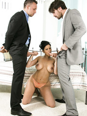 Double penetration for buxom brunette Diamond Kitty early in the morning