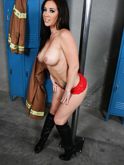 Firefighter Jayden Jaymes makes us burning hot with her big breast