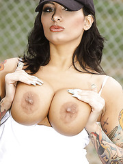 Smoking hot milf with curvy forms, huge tits and sexy pussy Ricki Raxxx plays baseball