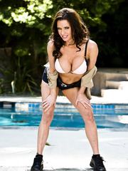 Outdoor scene with a pretty and gorgeous milf named Veronica Avluv