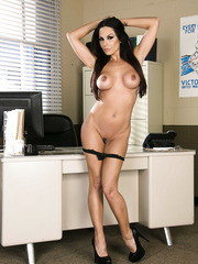Awesome and horny brunette lady Kirsten Price plays with her naughty pussy