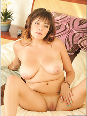 Spicy milf Mali Luna working with her tight wet sissy and dreaming of a cock