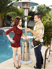 Superior flapper Christine Paradise spreading pussy on fresh air and banging
