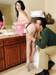 Alluring woman Luna C. Kitsuen loves to be drilled like a dirty whore
