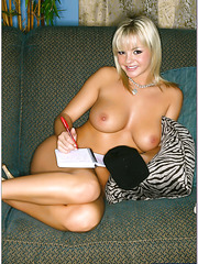 Demonic milf Bree Olson taking off lingerie and tasting a delicious dick
