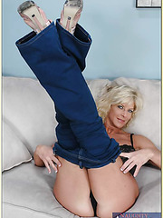 Sexy milf in tight Jeans TJ Powers loves hardcore fucks with her man
