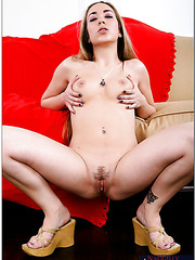 Horny chick with tiny tits Jamie Elle is having her milf pussy fucked