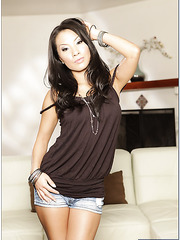 Stunning milf with perfect body Asa Akira is posing in shorts