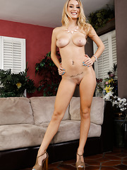 Two sexy milfs Holly Michaels and Natalia Starr are playing with one big cock