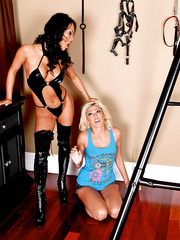 Asian brunette Asa Akira treats blonde milf Breanne Benson with her lesbian ideas