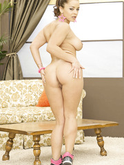 Nasty lady Liza Del Sierra spreads her legs and shows her gentle and wet secrets