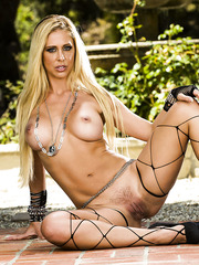 Big titted blonde milf Cherie Deville demonstrates an amazing outdoor scene