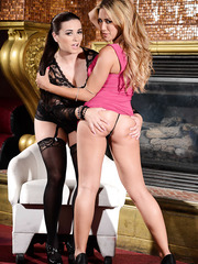 Horny MIlfs Capri Cavanni and Taylor Vixen using a strap-on for pleasure