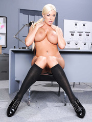 Ravishing and astounding blond MILF Summer Brielle showing her amazing looks