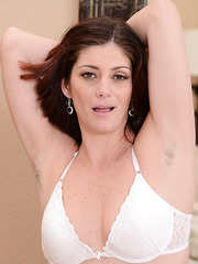 Arresting and ravishing MILF Alicia Silver showing her good looks