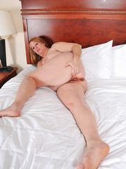 Fat BBW Misty Luv Blu using a big dildo to please her wet hairy cunt
