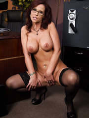 Ravishing MILF Syren De Mer showing off her perfect and flawless body