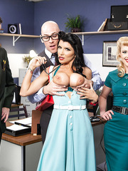 Unforgettable babe  Romi Rain having her pussy humped nicely by a big cock