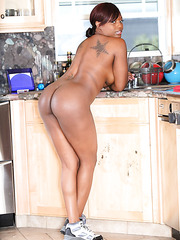Unbelievable ebony Jada Fire taking a hot shower and demonstrating big ass